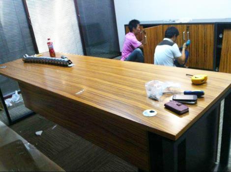办公桌拆装电话